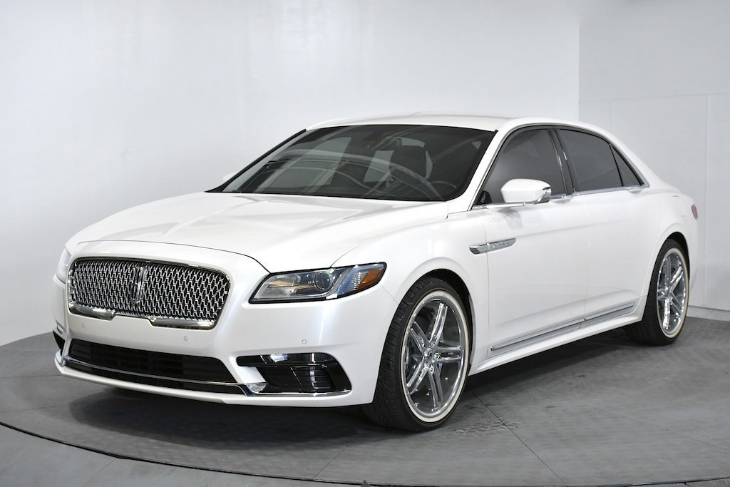 Pre-Owned 2017 Lincoln Continental Premiere
